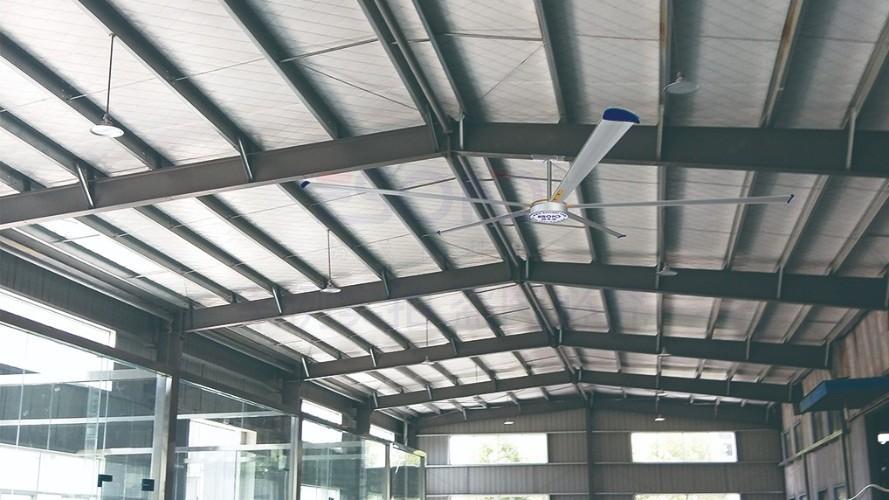 工厂该怎么选择通风降温设备?懿晟德:工业大风扇帮你。